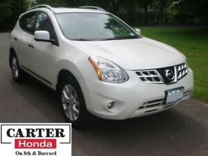 2012 Nissan Rogue SL + NAVI + LEATHER + AWD + LOW KMS!