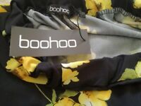 Boohoo size 8 floral trousers new with tags