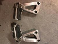Suzuki GSF1200 rear foot pegs and hangers