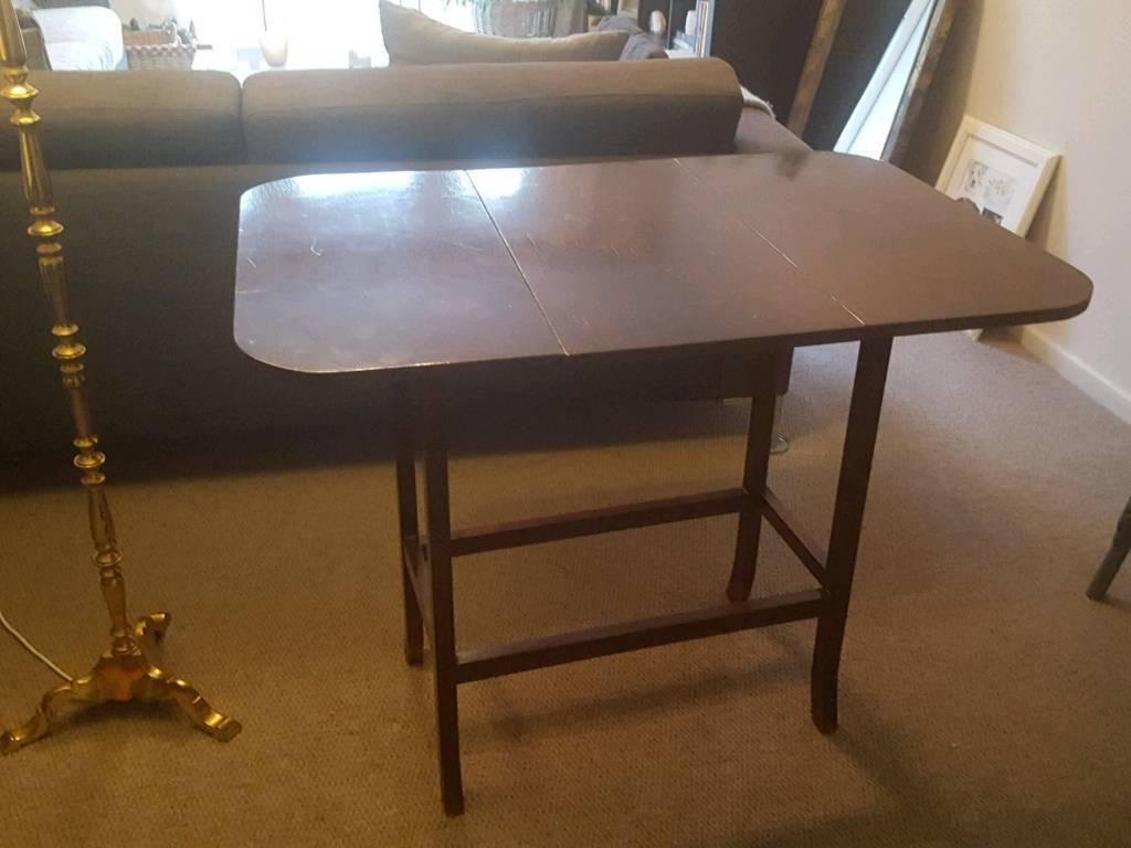 Extending side table.