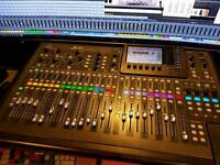 Behringer x32 digital mixing desk for FOH or studio 32 in audio interface