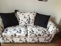Settee / Sofa - Immaculate Unmarked Condition - Removable Covers and 3 Cushions
