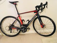 Specialized Roubaix expert disc 56cm carbon disc endurance bike. Hardly ridden