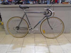 Vélo de route Mikado 22'' - 0918-4