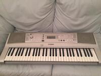 Yamaha PSR-303 digital piano and electric keyboard