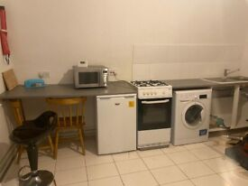 Double room to rent. Green lane RM8 1YX. £550 pcm. All bills included.