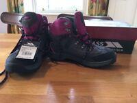 Trespass Size 3 suede/mesh laurel waterproof walking boots