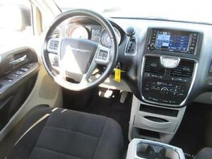 2011 Chrysler Town and Country Cambridge Kitchener Area image 14