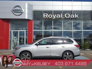 2014 Nissan Pathfinder Platinum LOW KM LOADED With Options