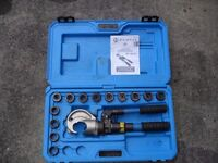 Cembre HT131-C, two speed, hand hydraulic crimper, crimping tool, dies & case.