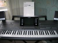YAMAHA TYROS 5 DIGITAL WORKSTATION WITH TRS-MS05 SPEAKERS/SUB WOOFER. 61 KEY. EXCELLENT CONDITION.