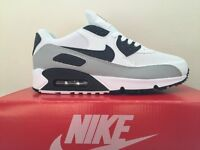 NIKE AIR MAX 90S WHITE, BLACK AND GREY BRAND NEW SIZE 8 - BARGAIN!