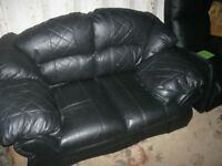 MODERN BLACK LEATHER 2 SEATER SOFA. CLEAN, TIDY AND COMFORTABLE. VIEW/DELIVERY POSSIBLE