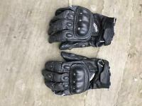 Triumph leather gloves