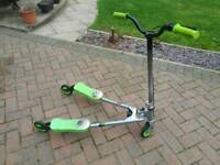 Evo V-Flex Scooter, Green / Silver, Wiggle / Flicker