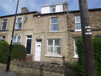 4 bed mid-terraced house in Crookes and within close proximity of the University. BILLS INCLUSIVE