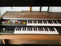 Yamaha Organ - Double Keyboard Electric Organ.