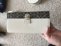 genine brand new coach long wallet without tap