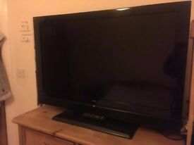 35 INCH ALBA TV with Stand and Remote