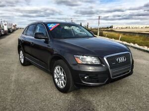 2011 Audi Q5 2.0T|Leather|Heated Seats|Moonroof
