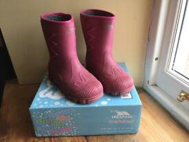 Girls pink snow boots sz 12