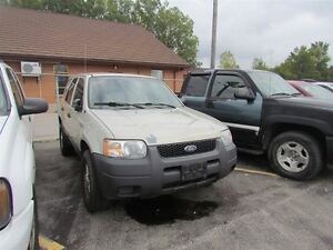 2003 Ford Escape XLS *  HAS TO GO London Ontario image 3