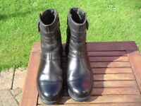 Clarke's Artisan Ladies leather boots. Size 6(e)