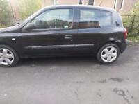 Renault Clio 1.2 3 door black 53 plate