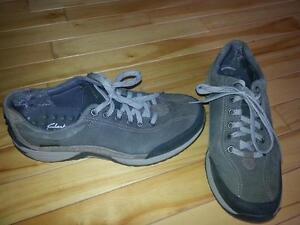 Clarks wave walk waterproof shoe/sneaker mens size 8