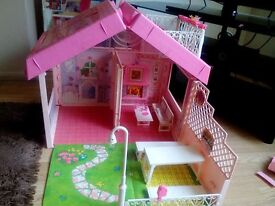 1992 VINTAGE BARBIE MAGIC HOUSE WITH BOX