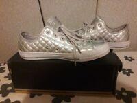 Ladies Converse. Uk size 7. £15.