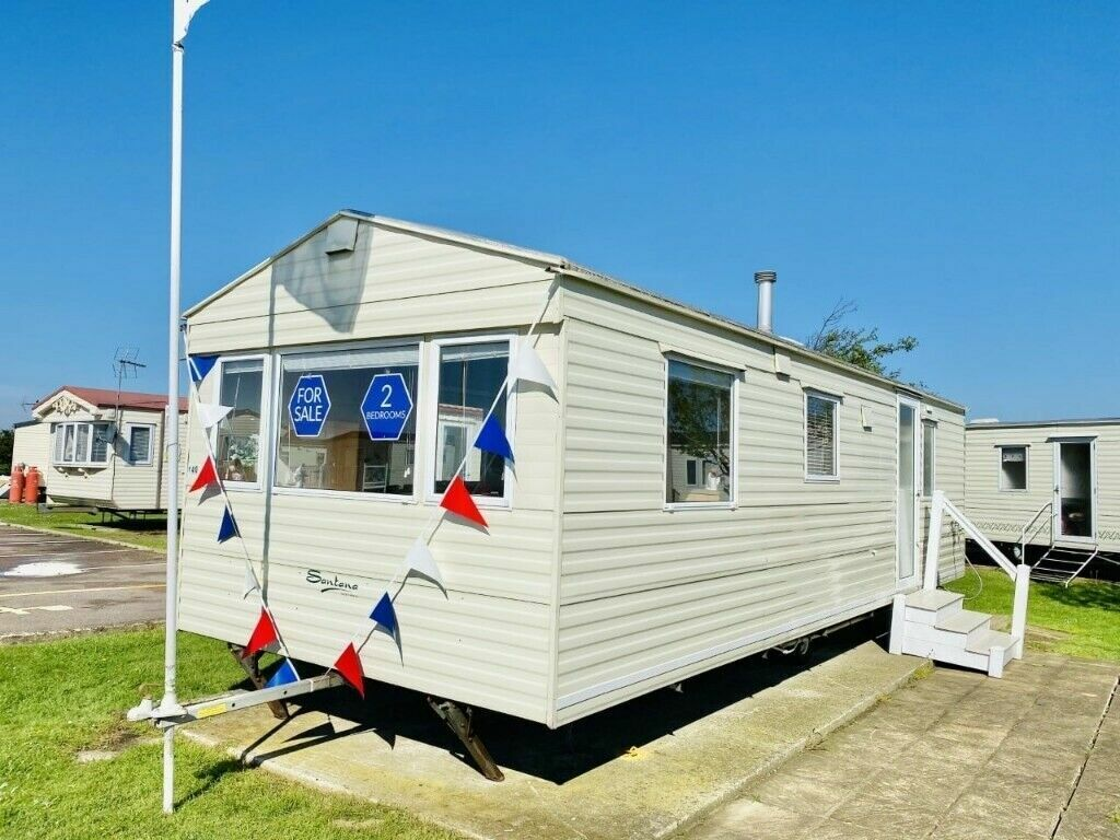 Cheap static caravan for sale sited in Essex Near the sea   in St ...