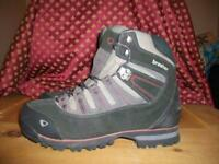 Brasher Altai GTX walking boots size 10 as new
