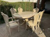 Dining Room Table & Chairs