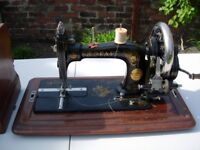FOR SALE ANTIQUE PFAFF SEWING MACHINE.