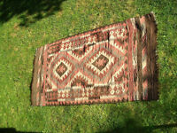 TRADITIONAL PERSIAN KELIM RUG FOR SALE IN GREAT CONDITION