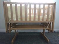 Mamas and Papas Crystal Gliding Crib with Zeddy & Rhubarb crib set