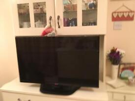 32inch Top Quality LG Tv as new with Sony DVD player