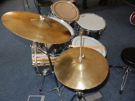 Vintage Pearl Drum Kit
