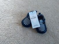 New baby shoes 0-3m