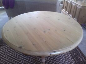 Round dining/kitchen table
