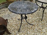 SMALL ROUND GARDEN TABLE METAL PRETTY LIGHT WEIGHT
