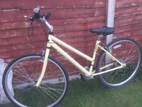 Ladies Dawes town bike