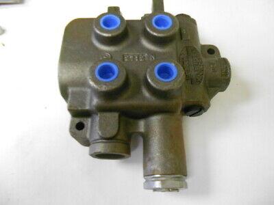 70050-00672 Gresen Hydraulic Mono Block Control Valve Two Spool Kubota