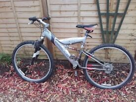 Boys bike aged 10 to 15