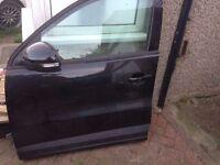 VOLKSWAGEN TIGUAN N/S PASSENGER SIDE FRONT COMPLETE DOOR BLACK