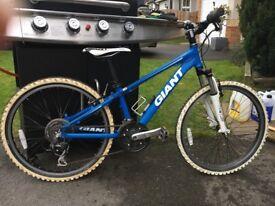 Giant xtc front suspension mountain bike