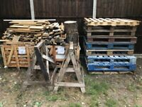 Free wood, pallets and trestles