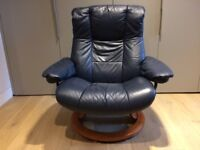 Ekornes Stressless swivel recliner leather chair and foot stool --Excellent Condition