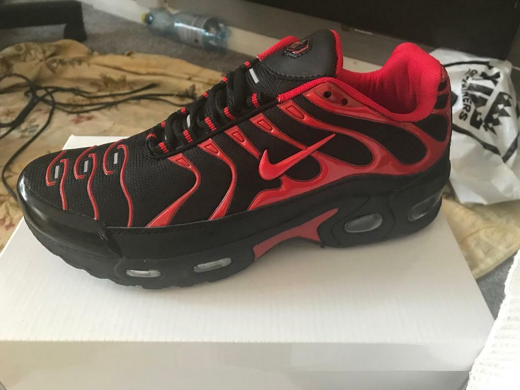 6351aa68803 MENS NIKE TNS BLACK RED SIZE 7-11